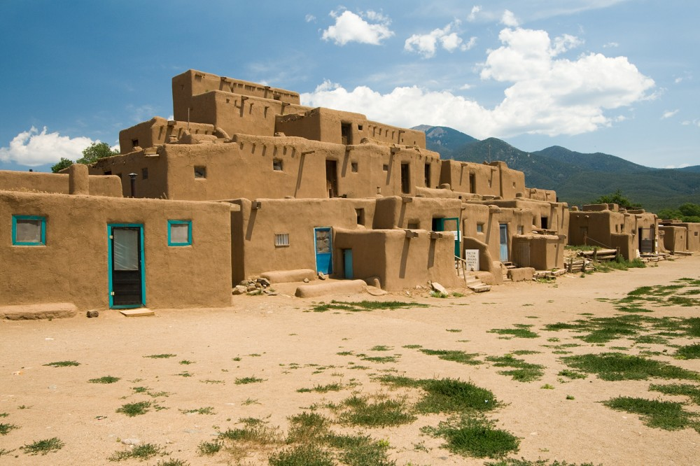 Built sometime between 1000 and 1450 AD, the Taos Pueblo located near modern-day Taos, New Mexico, functioned as a base for the leader Popé during the Pueblo Revolt. Luca Galuzzi (photographer), Taos Pueblo, 2007. Wikimedia, http://commons.wikimedia.org/wiki/File:USA_09669_Taos_Pueblo_Luca_Galuzzi_2007.jpg.