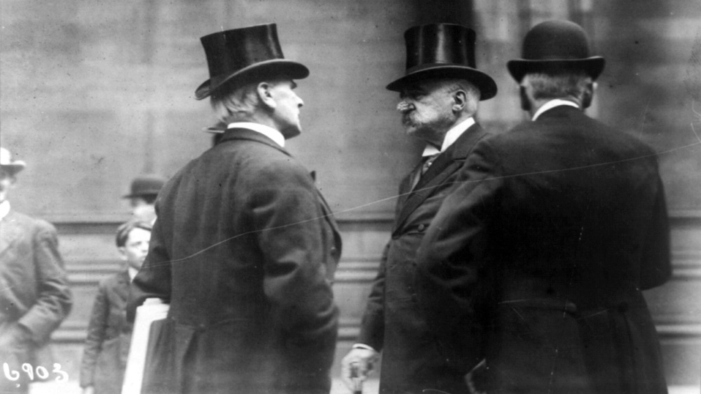 John Pierpont Morgan with two friends, ca.1907. Library of Congress, LC-USZ62-92327
