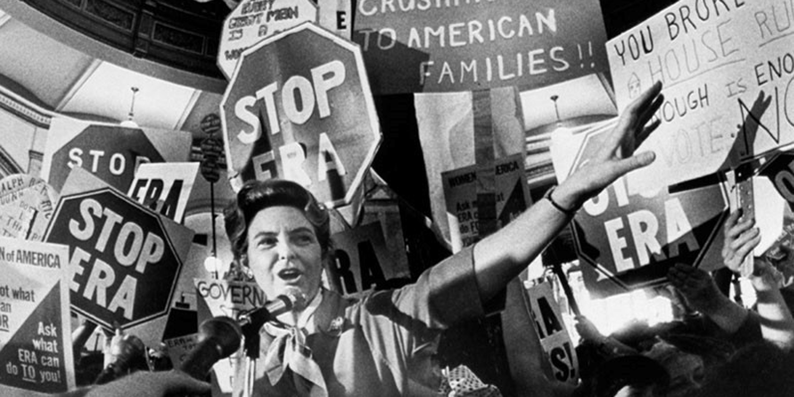 Activist Phyllis Schlafly campaigns against the Equal Rights Amendment in 1978. Bettmann/Corbis.