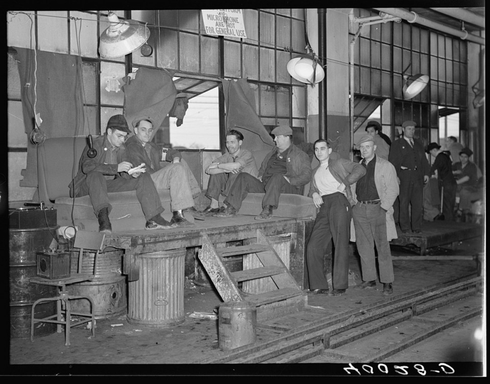 "Unionization met with fierce opposition from owners and managers, particularly in the ""Manufacturing Belt"" of the Mid-West. Sheldon Dick, photographer, ""Strikers guarding window entrance to Fisher body plant number three. Flint, Michigan,"" January/February 1937. Library of Congress, http://www.loc.gov/pictures/item/fsa2000021503/PP/."