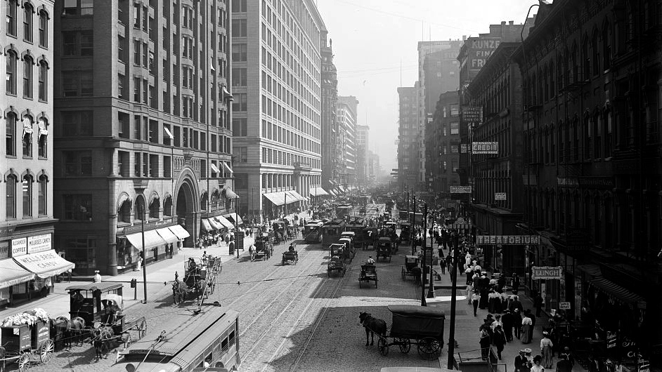 State Street, south from Lake Street, Chicago, Ill, ca.1900-1910. Library of Congress, LC-D4-70158.